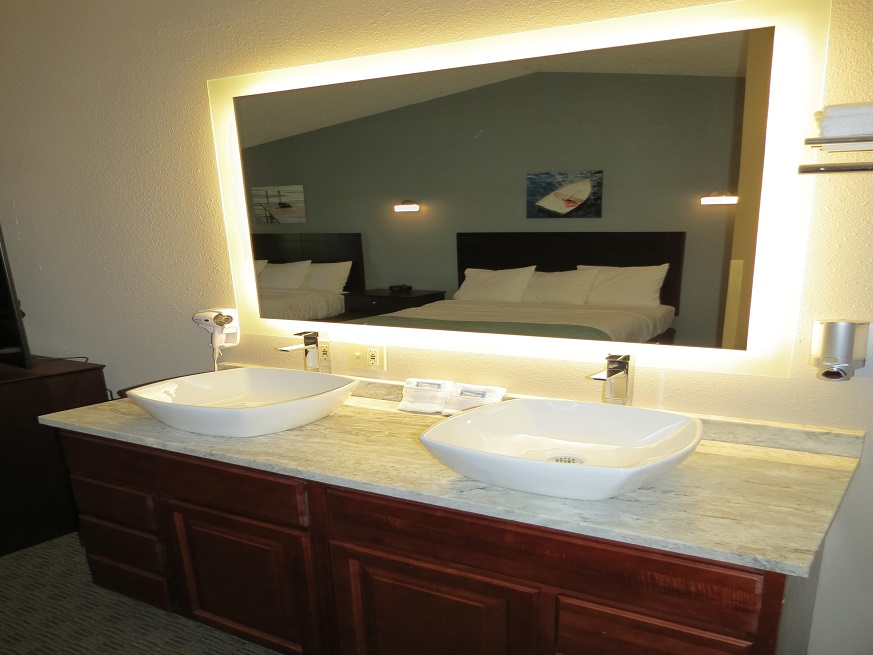 Picture of the Edgewater Hotel bathroom at Put-in-Bay