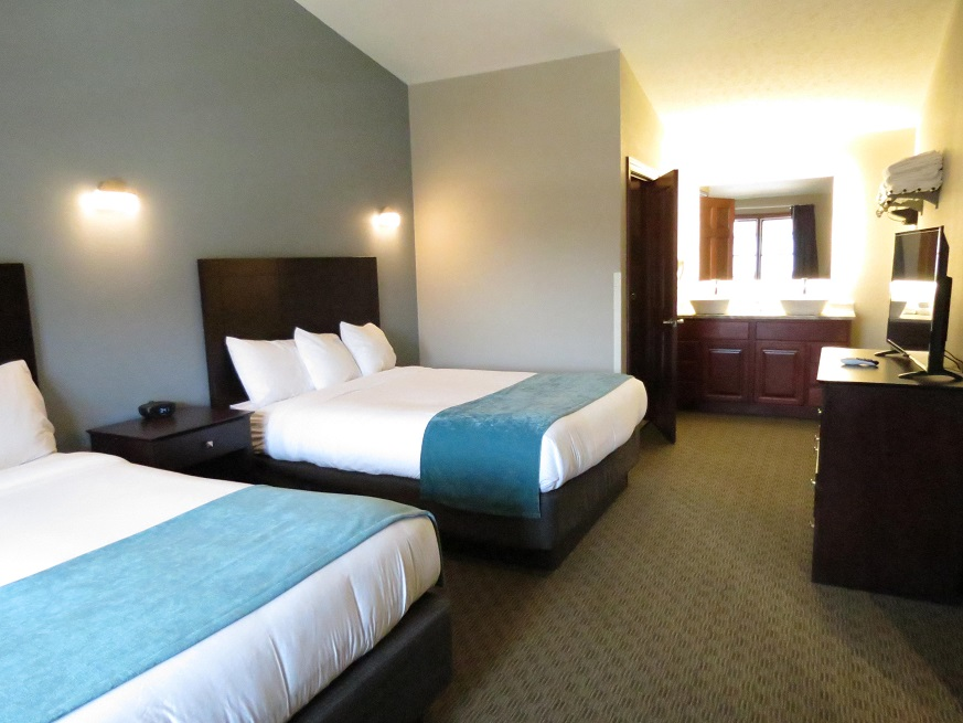 Photo of the bedroom at the Edgewater Hotel Put-in-Bay