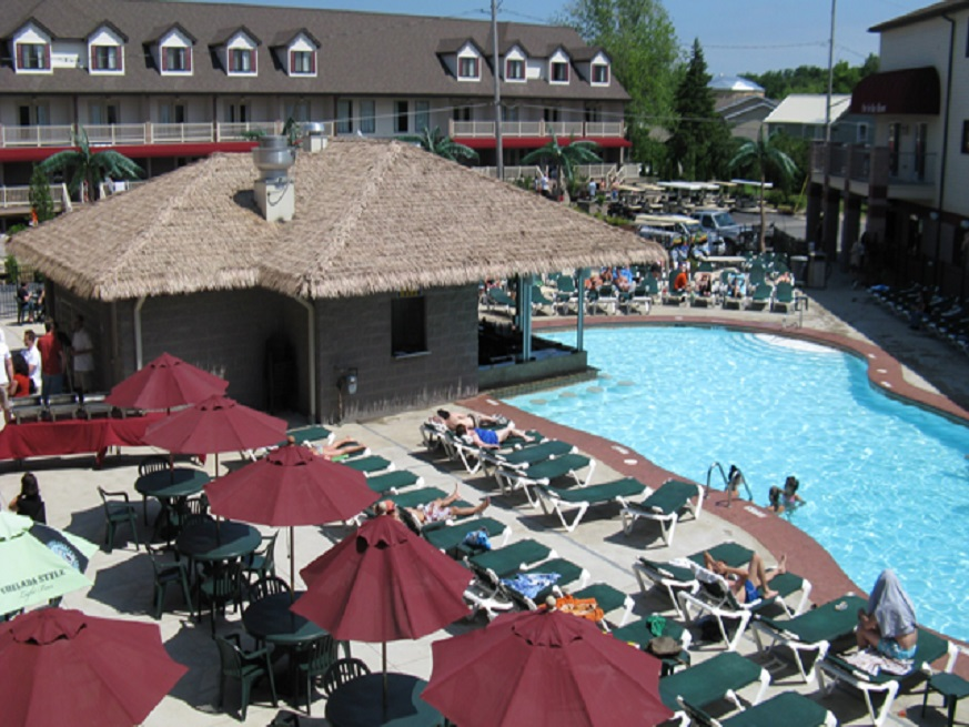 Picture of the Put-in-Bay Resort Swim Up Bar