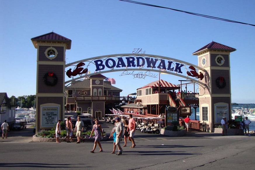 Picture of the Boardwalk at Put-in-Bay Ohio